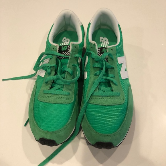 Brand new, Womens New Balance green sneakers